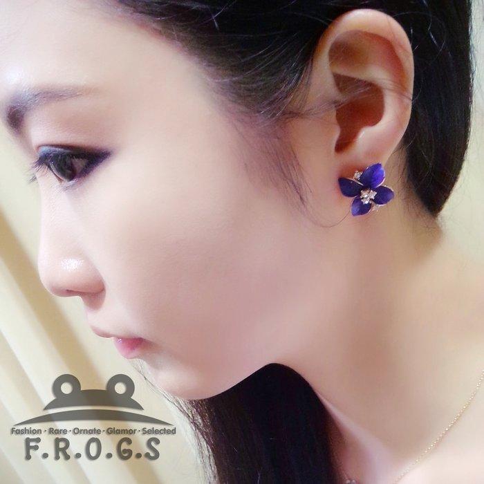 """F.R.O.G.S A01003立體磨砂寶藍山茶花鑲鑽 耳環耳針耳釘    """"滿千 """""""