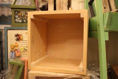 zakka糖果臘腸鄉村雜貨坊        木作類.Grid實木木箱(方塊木箱書箱會場佈置書櫃置物箱乾燥花不凋花書捲畫桶