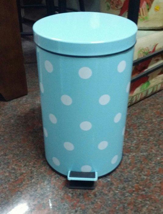 🍀 美生活館 鄉村風 藍底白點點 踏板式 掀蓋垃圾桶 (12L)附內桶 緩緩蓋上