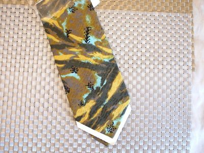 ((瑪奇亞朵的珠寶世界)) THISTLE HARRISONS -日本品牌真絲全新領帶