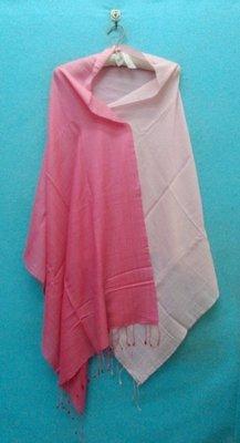 全新印度製 SAACHI 漂亮粉紅色漸層蠶絲羊絨披肩 70%cashmere 30%silk