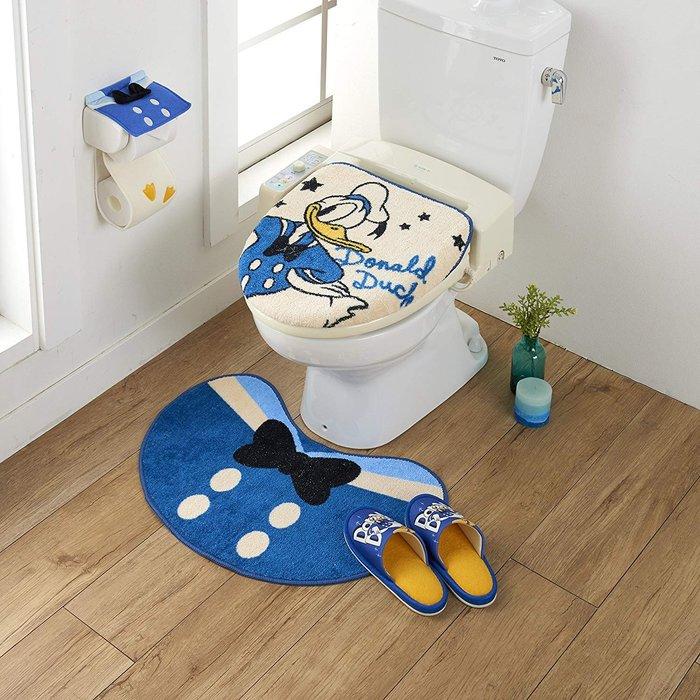 迪士尼DISNE《預購》唐老鴨 衛浴大套組~馬桶蓋套+地墊+衛生紙套+拖鞋~日本正品~心心小舖