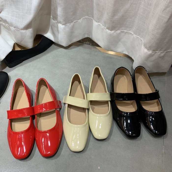 瘦竹竿 韓版新款 純色百搭漆皮pu搭扣小單鞋舒適平底小皮鞋女