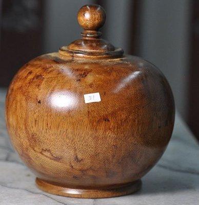 宋家苦茶油yewtigeraganbox.31越南黃老虎奇楠製成葫蘆聚寶盆.可生財運.當作聞香瓶.奇香無比.油質豐厚.