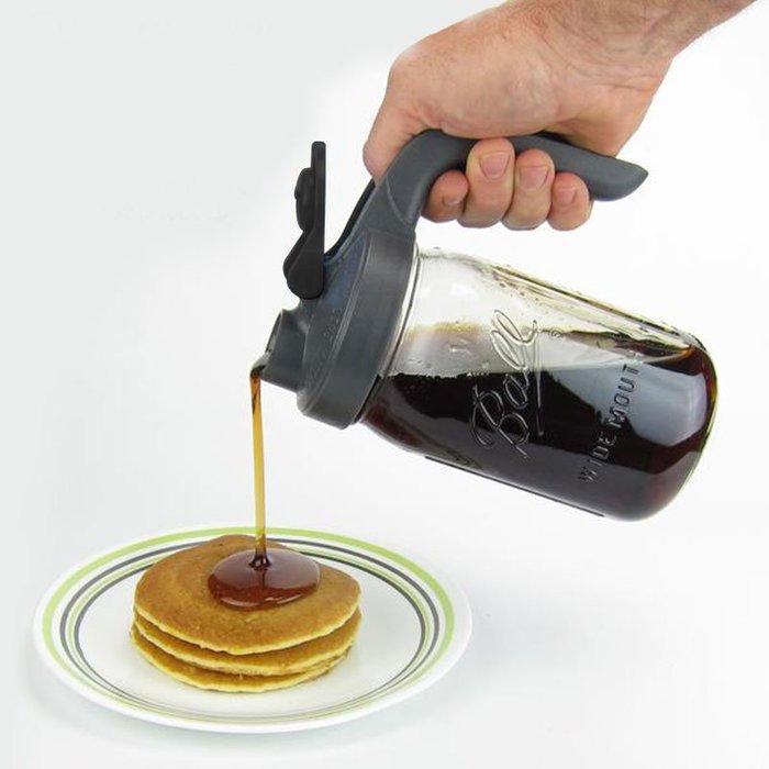 ☘小宅私物 ☘ 美國 Ball 梅森玻璃罐 32oz 握柄式太空蓋組 飲品壺 水壺 蜂蜜罐 可防漏 防潑灑 現貨 附發票