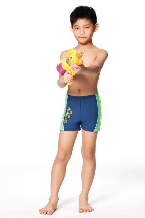 【  APPLE   】蘋果牌泳裝降價↘特賣~男童側邊太陽印字綠黃邊四角泳褲  NO.106204