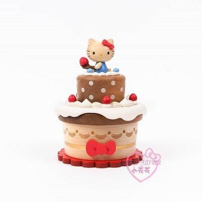 ♥小花花日本精品♥HelloKitty蝴蝶結草莓奶油旋轉雙層蛋糕復古造型木頭音樂盒音樂鈴11705307