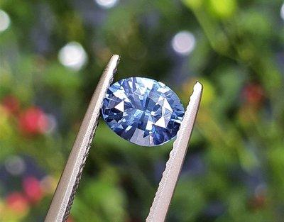 揚邵一品( 附國際證)1.03克拉 矢車菊藍寶石 色彩浪漫優雅 淨度優秀 藍色藍寶石 藍色剛玉