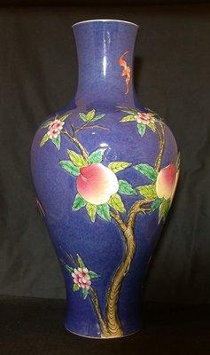 丁香之家--清代藍地粉彩福壽觀音瓶