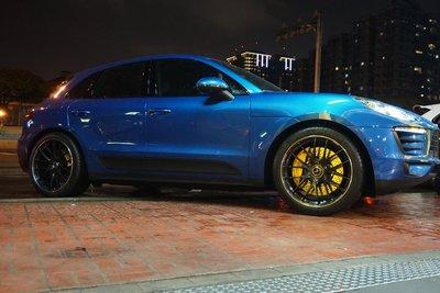 Porsche Macan 車系 專用Brembo 煞車, KW V3 避震, 專用鋁圈輪胎, 底盤專用套件