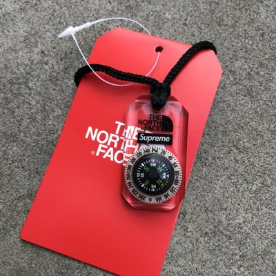 ☆LimeLight☆ Supreme x The North Face Compass Necklace 指南針 項鍊