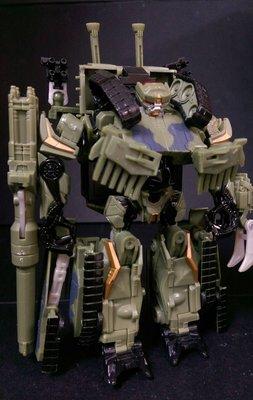 B-9櫃 現狀品 : TRANSFORMER 變形金剛 D級 BRAWL 吵鬧 轟天雷 坦克  天富玩具店