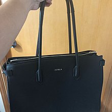 Furla-pin medium size tote bag(90% new)