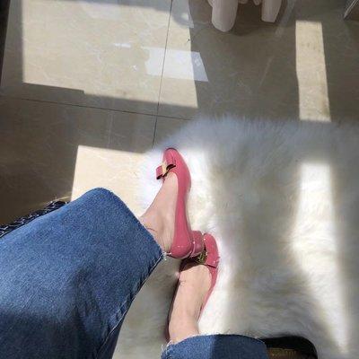 ╭☆包媽子店☆Salvatore Ferragamo 優雅娃娃平底鞋/D楦頭//((5公分cm粗跟))
