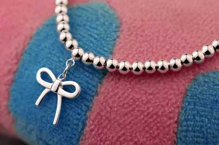 Melia 米莉亞代購 Tiffany&Co. 925純銀 Tiffany 蒂芙尼 手鍊 手環飾品 禮物 蝴蝶結珠珠手環