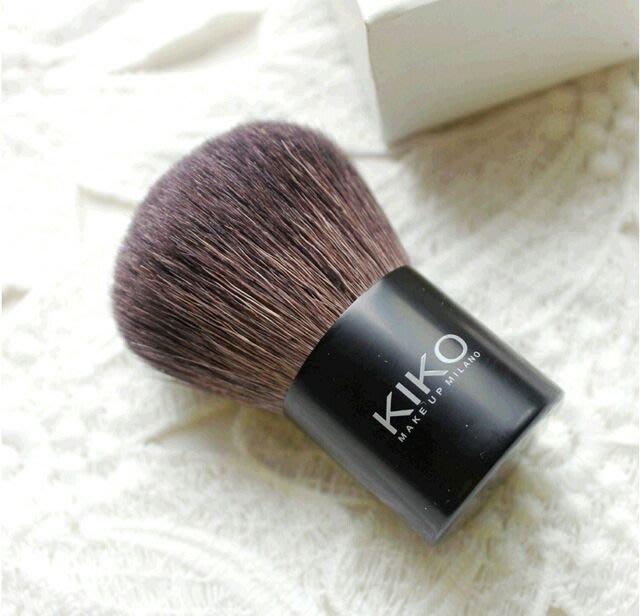 kiko(乾濕兩用)多功能攜帶款粉底礦物蜜粉粉餅刷FACE 104 -Compact face brush for mineral foundation