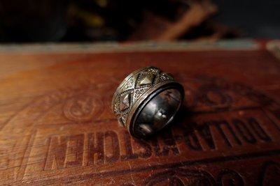 【Monolith】生來狂野二店二手寄賣 木目金打印戒指 厚實菱格打印 台灣職人手作 Navajo
