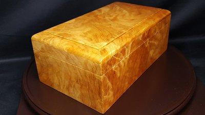 揚邵一品(喜歡可議價)  台灣紅檜土豆瘤與Q絲瘤滿閃花頂級珠寶盒 六面對花對紋 閃花爆閃 果香四溢 此瘤花盒取材不易 難得珍品釋出