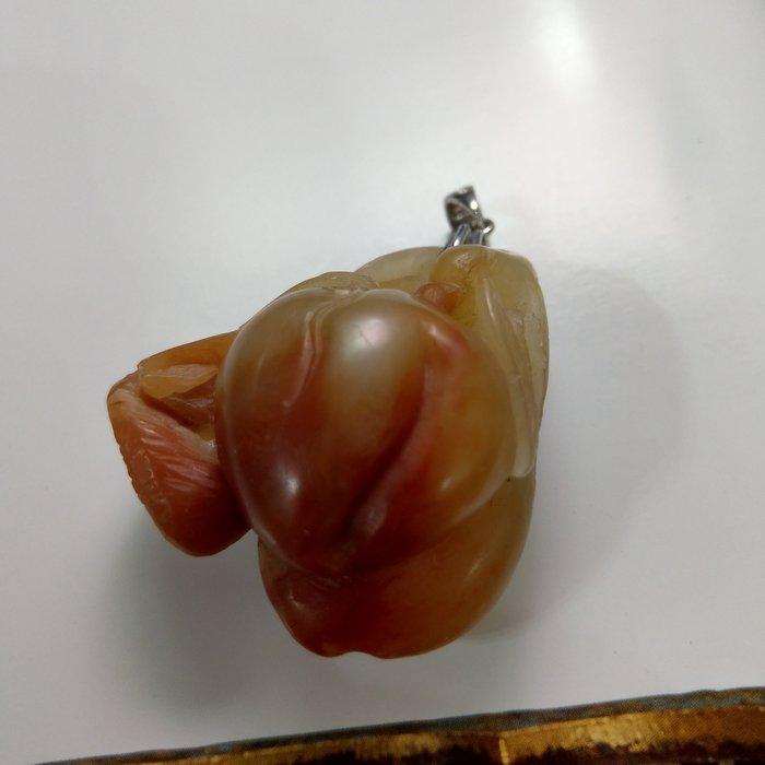 【開運如意閣】壽山石-壽桃松鼠-長寬厚42*42*26mm-圓滿豐收 財源滾滾 福氣綿綿(盒15)