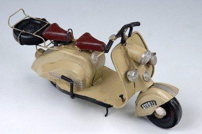 [ 尚霖模型館 ]模型古董車 { M689-3 }古董 速可達 機車 Lambretta 1957 150c.c