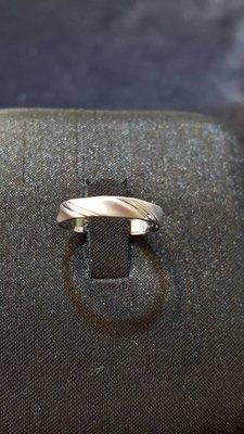 嘉億珠寶~水波紋14k白金戒~8.5號手圍