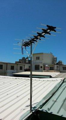 高雄電視數位天線安裝架設(含台南,屏東)