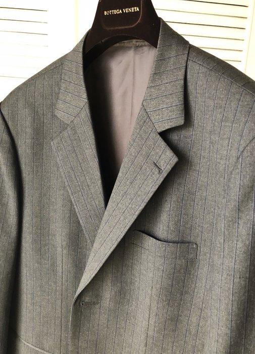 原價連工帶料七萬多 世界頂級面料品牌 Scabal 鐵灰隱線直條紋單排釦西裝上衣
