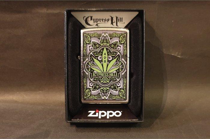 ONE*$1~*美系*ZIPPO*Cypress Hill《賽普拉斯山》街頭風鍍鉻/彩印*編號:49010