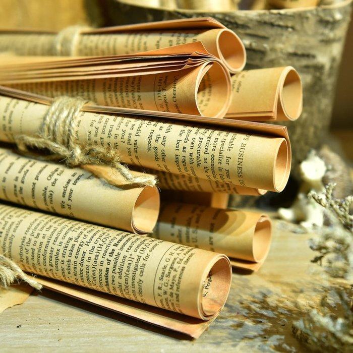預售款-LKQJD-森仕復古英文書本書卷報紙道具書房咖啡店裝飾擺件美式復古小書卷