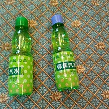 懷舊零食草地狀元採訪報道70年老店新光泉汽水廠的彈珠汽水(塑膠瓶)