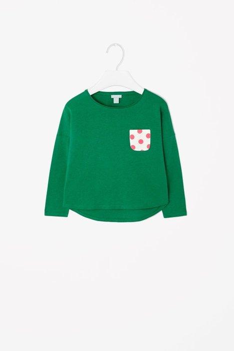 *小豆仔的屋Dou Dou House*德國歐洲進口COS童裝/女童圓領點點口袋上衣T恤-綠色(現貨)