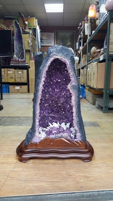 【喬尚拍賣】天然水晶洞系列 (5) 重24.5公斤