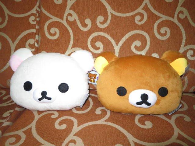 ///可愛娃娃///~新款10吋 正版拉拉熊/懶懶熊頭型抱枕~午安枕~小抱枕~交換禮物---約30公分