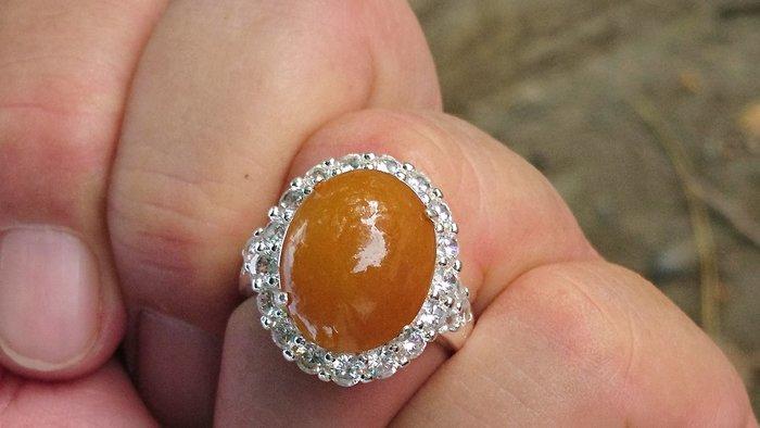 #天然大顆黃翡翠戒指#(亦可鑲嵌銀台或k金台)難得的大顆翡翠 非常非常難能可貴,市面稀少,專賣緬甸A貨翡翠