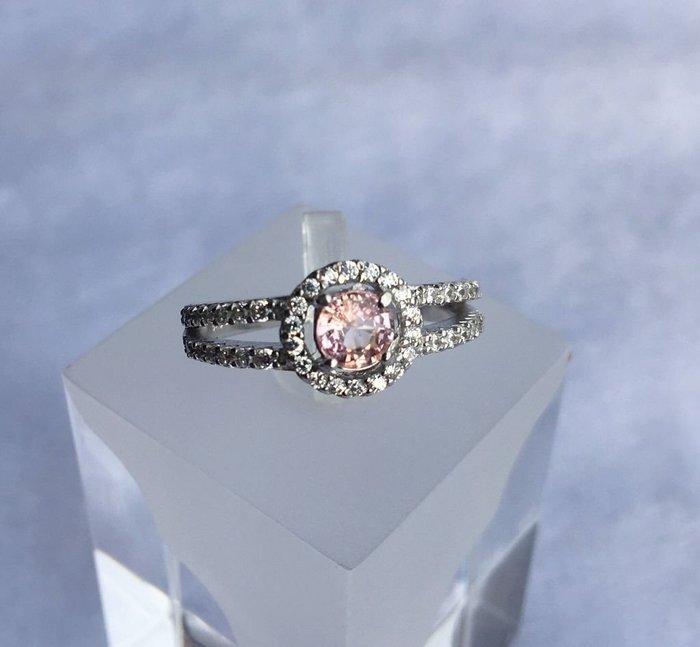 珍奇翡翠珠寶首飾-天然無燒帕帕拉夏藍寶石,蓮花剛玉0.55克拉,乾淨迷人,火光強閃,保證無燒罕見日出色,搭配銀白K金設計款美戒,贈送TGC台北寶石證書