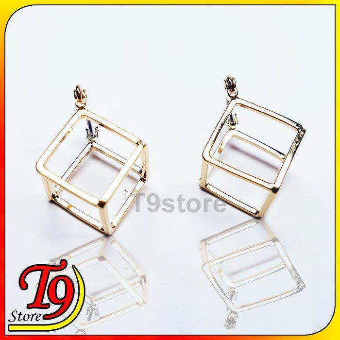 【T9store】韓國製 正方形鏤空貼耳式耳環