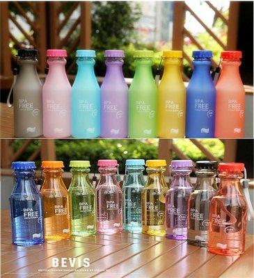 【廚房用品/杯子/禮品】特價35元 耐熱PC 汽水瓶 550ML 水杯 水瓶 水壺 星巴克 冷水壺