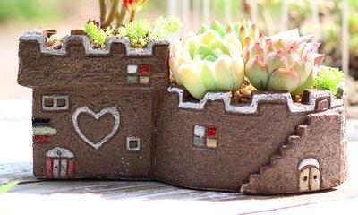 =F&S雜貨= 手繪陶瓷花盆 巧克力屋 大款 辦公室小物婚禮佈置多肉植物 園藝 微景觀盆栽 花器 zakka 組盆公仔