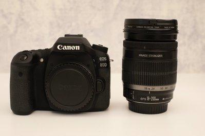 Canon EOS 80D機身+ EF18-200mm鏡頭(日本製造)