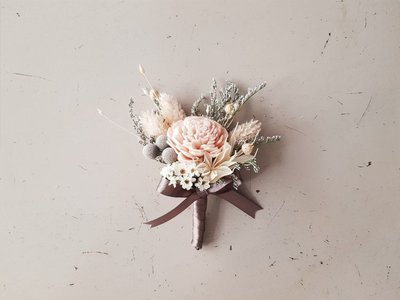 粉色系乾燥胸花。台北歡迎自取。西門【Flower&House花藝之家】