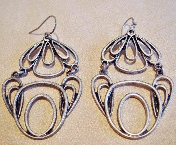 全新美國帶回 LUCKY BRAND 復古銀色民族風印第安風穿式耳環,低價起標無底價!本商品免運費!