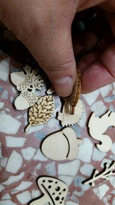 -木片--/原色木片(松鼠//刺蝟//蘑菇//橡樹果//樹葉)2元