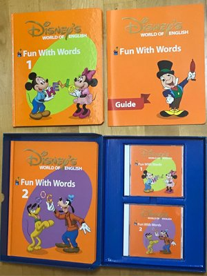 Disney World of English - Fun With Words and Games (2 本書2張CD 6套game cards )