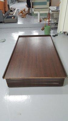 二手家具樂居 台中全新中古傢俱 B1105BJA*胡桃木單人床架 床底 掀床*2手臥室家具拍賣 床組 床墊 床板 衣櫥