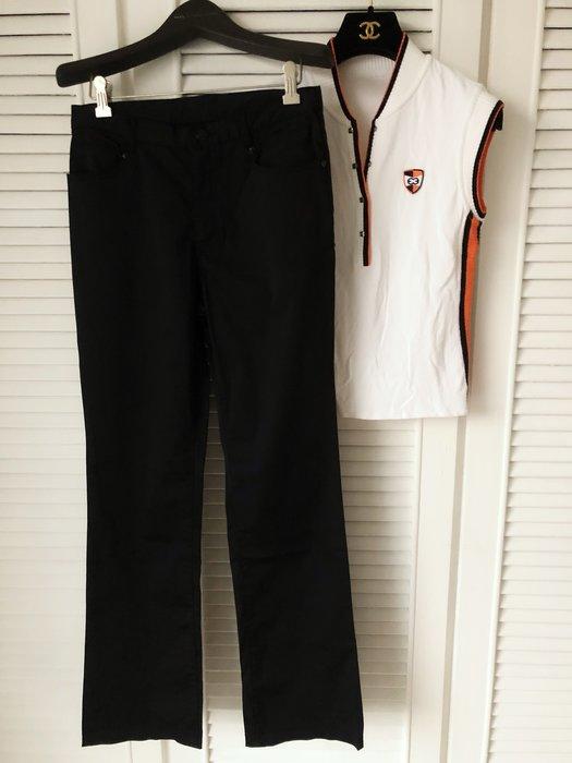ESCADA 白色無袖針織衫 不包括黑色長褲