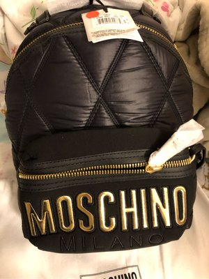 Moschino backpack 黑金 M size