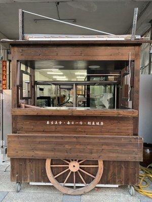 二手漂亮紅茶冰木製車台便宜賣 含台灣3.3尺對拉冰櫃買到馬上賺