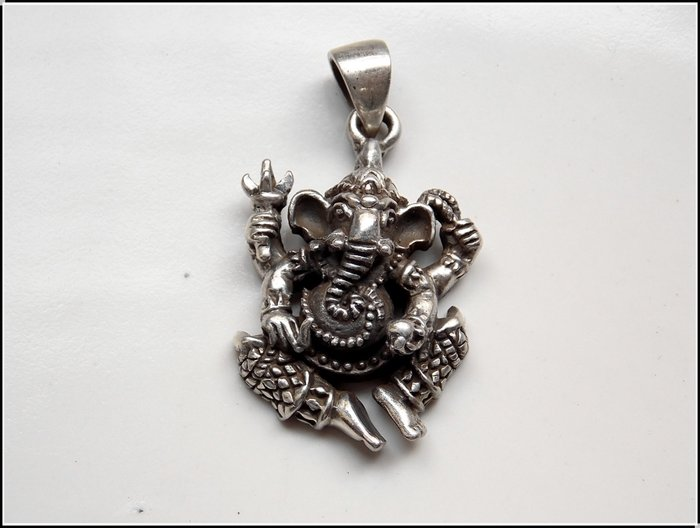 【雅之賞|藏傳|佛教文物】特賣* 尼泊爾 925純銀象鼻財神吊墜~504430