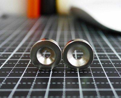 帶孔強力磁鐵三種規格-12mmx3mm(單孔3mm)(單孔4mm)@萬磁王@