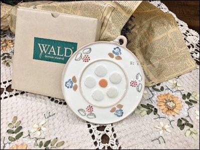 義大利WALD系列 手繪陶瓷花邊圓形隔熱墊 小花陶瓷器餐墊杯墊鍋墊也可當壁飾掛飾牆壁裝飾品【歐舍傢居】